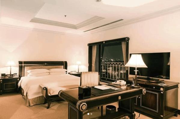 Phòng nghỉ khách sạn Lotte Legend Saigon có lối thiết kế sang trọng