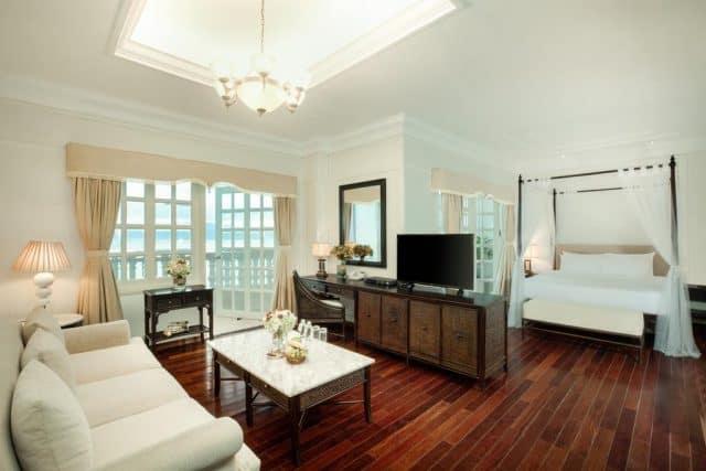 Phòng ngủ trang hoàng mọi thứ đạt tiêu chuẩn 5 sao (Ảnh ST)
