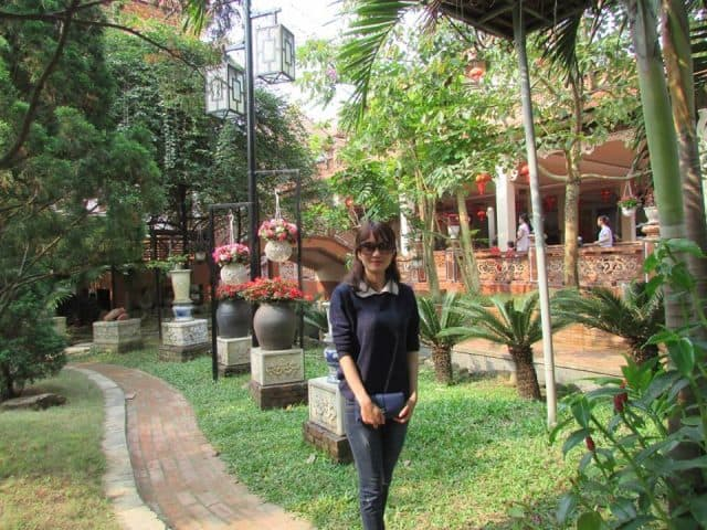 Du khách tới thăm chùa rất đông (Ảnh ST)