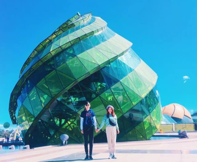 """Couples also do not forget to check in at """"the symbol of Da Lat"""""""