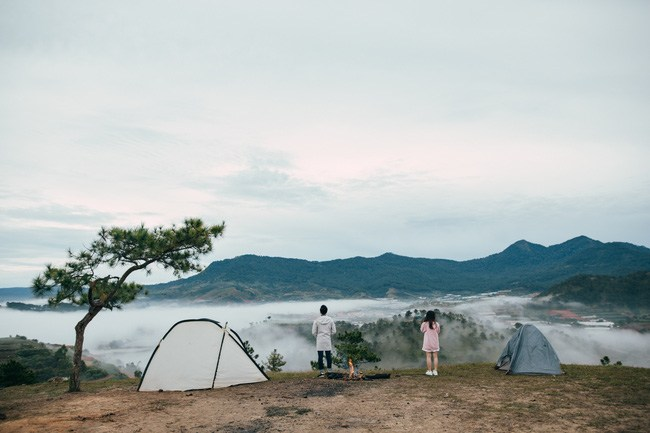 Camping overnight to feel the cold night or early morning fog and the extremely fresh air here ... (Photo: ST)