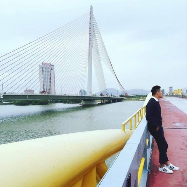 Những bức ảnh ấn tượng được ghi lại tại cầu Nguyễn Văn Trỗi (Ảnh ST)