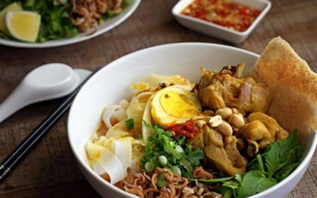 Thưởng thức ẩm thực du lịch Đà Nẵng 4 ngày 3 đêm (Ảnh: ST)