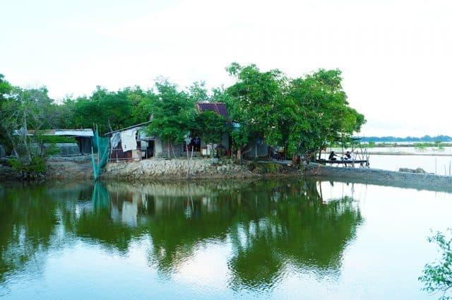 """Ngôi nhà duy nhất trong rừng Rú Chá của """"người giữ rú"""" Nguyễn Văn Đáp. (Ảnh: ST)"""