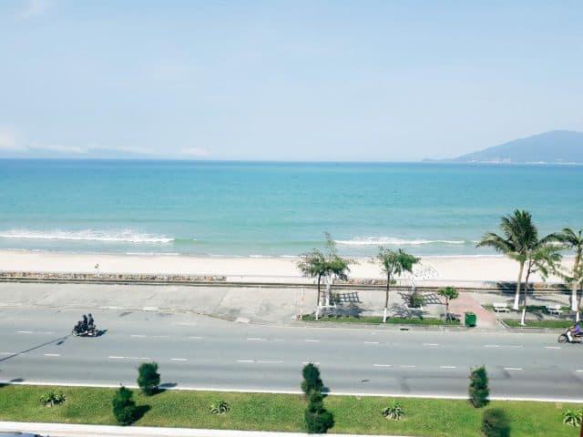 Motel Tuấn Phương nằm cạnh bờ biển (Ảnh ST)