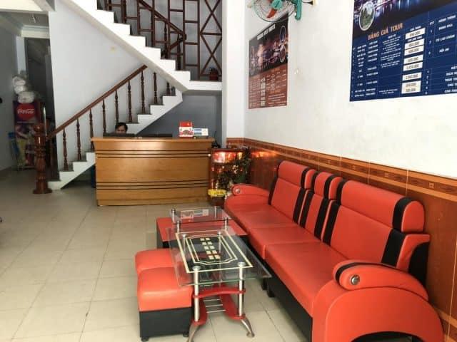 Phòng tiếp khách của Hoàng Việt Motel (Ảnh ST)