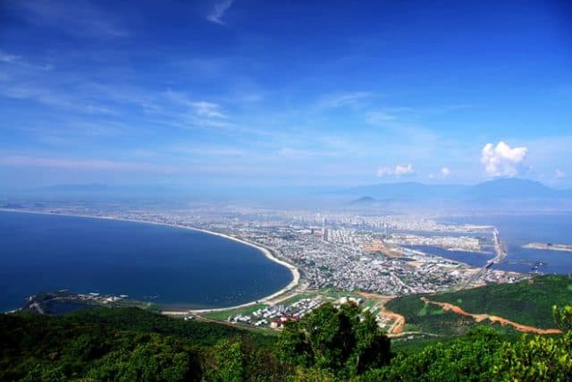 Quang cảnh thành phố nhìn từ Bán đảo Sơn Trà (Ảnh ST)