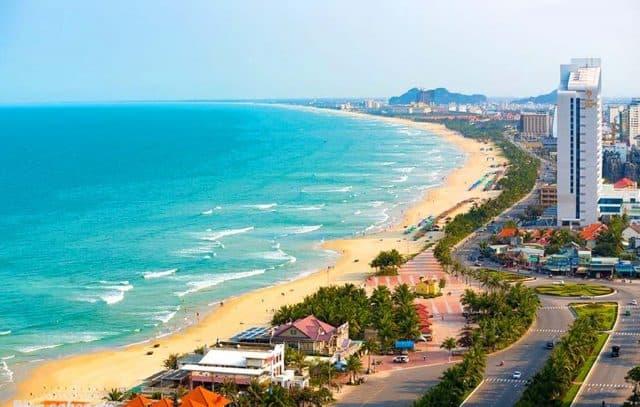 Tự mình khám phá những địa điểm đẹp của Đà Nẵng sẽ rất thú vị đấy (Ảnh ST)