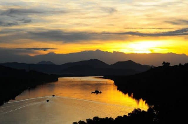 Khung cảnh lãng mạn của dòng sông Hương (Ảnh: ST)