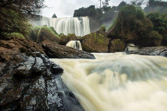 Quanh năm nước chảy xối xả (Ảnh ST)