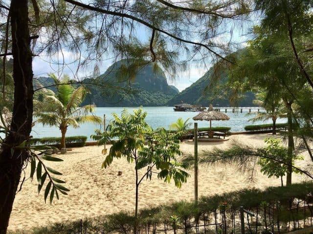 Đảo Nam Cát - chốn thiên đường nhiệt đới trên vịnh Lan Hạ Cát Bà