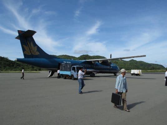 Máy bay đi Côn Đảo