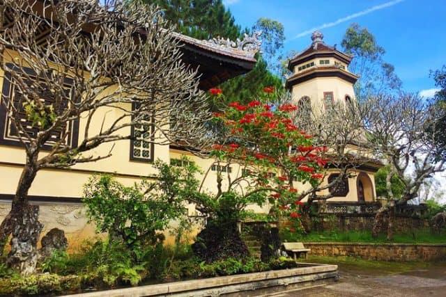 Hình ảnh chùa Linh Sơn Đà Lạt (Ảnh: ST)