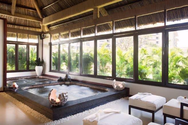 bể tắm thư giãn Jacuzzi Vinpearl Phú Quốc