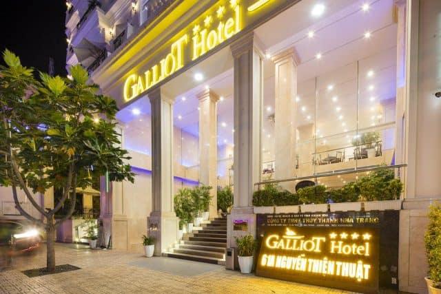 Galliot Hotel lung linh khi về đêm (Ảnh ST)