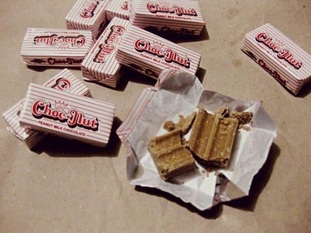 Món kẹo Chocnut đặc sản Philippines (Ảnh: ST)