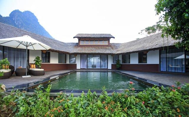 Resort nổi tiếng với nguồn nước nóng tự nhiên (Ảnh: ST)