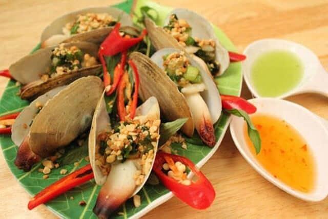 What to eat in Lan Ha Bay?