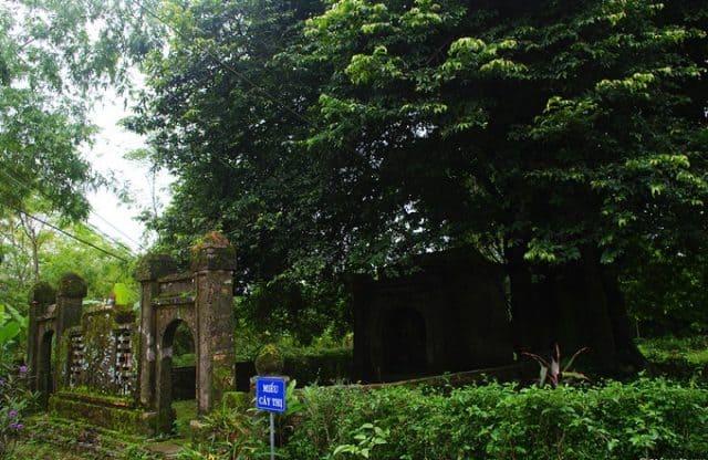 Miếu Cây Thị cổ kính rêu phong (Ảnh ST)