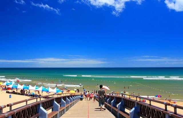 Bãi biển Fulong (Ảnh ST)