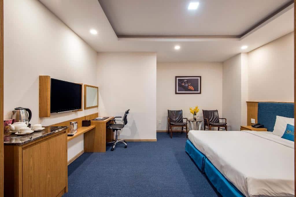 Blue Sky Hotel Tân Bình