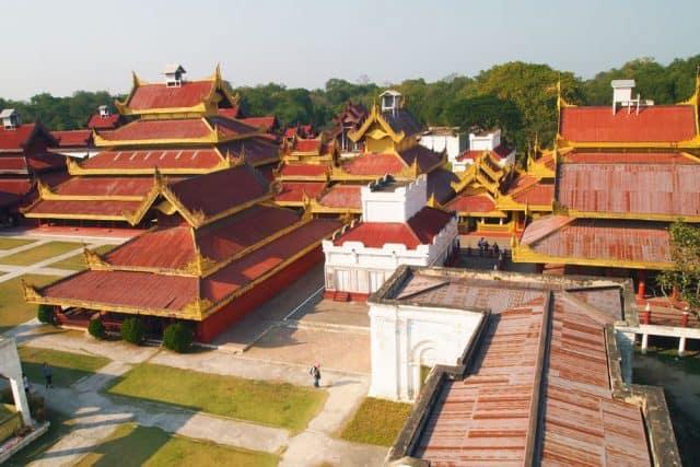 Cung điện Mandalay nhìn từ trên cao (Ảnh ST)