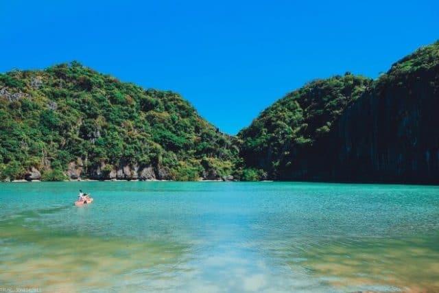 Chèo thuyền Kayak ở Đảo Mắt Rồng