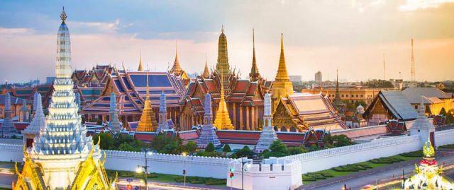 Dãy hành lang dài hơn 1 km xung quanh chùa Phật Ngọc (Ảnh ST)