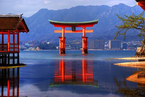 đền Itsukishima