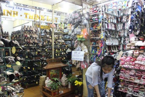 quầy hàng chợ An Đông