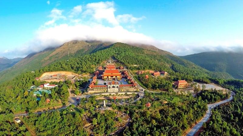 du lịch chùa Ba Vàng
