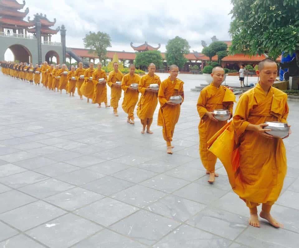 du lịch chùa Ba Vàng Quảng Ninh