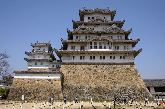 lâu đài hạc trắng himeji