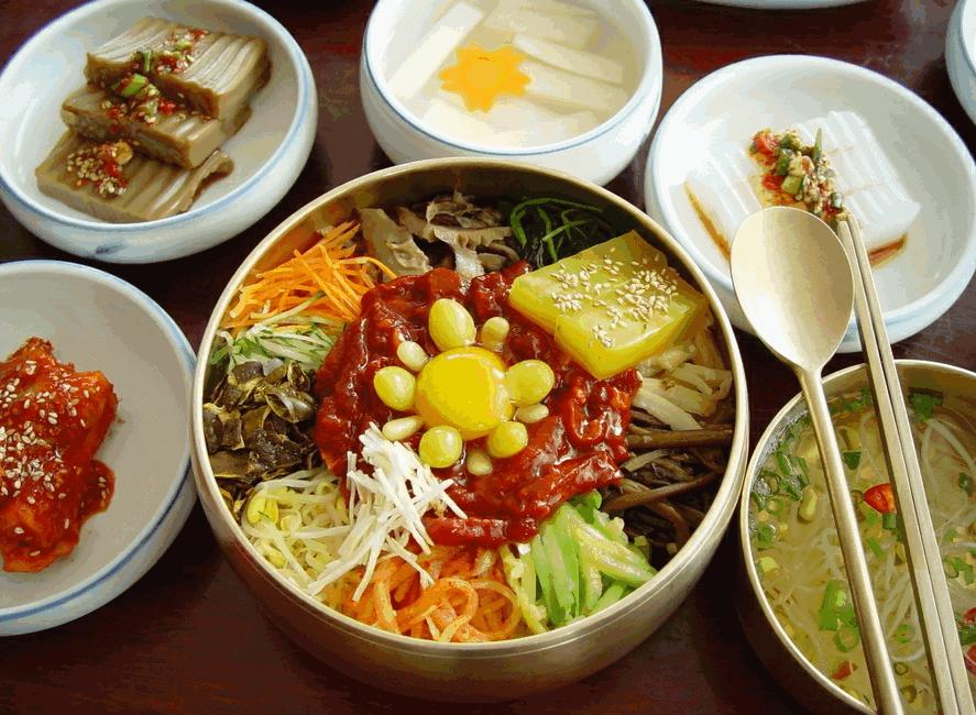 Món ăn chay đầy màu sắc tại Lễ hội Thái Lan (Ảnh ST)