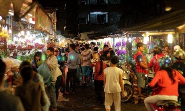 toản cảnh chợ đêm Hồ Thị Kỷ