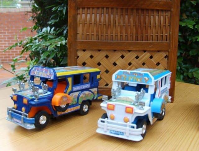 Mô hình xe Jeep món quà lưu biệm độc đáo (Ảnh: ST)