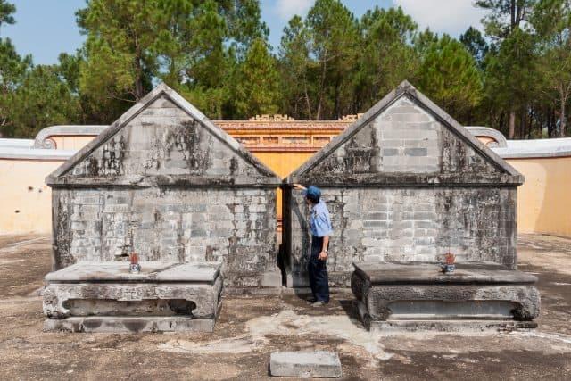 Lăng mộ của vua Gia Long và hoàng hậu (Ảnh ST)
