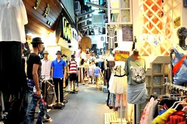 Wufenpu - Khu mua sắm sầm uất ở Đài Loan (Ảnh ST)