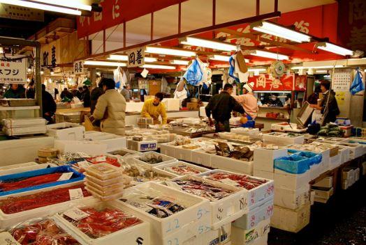 cảnh giao thương tại chợ Tsukiji