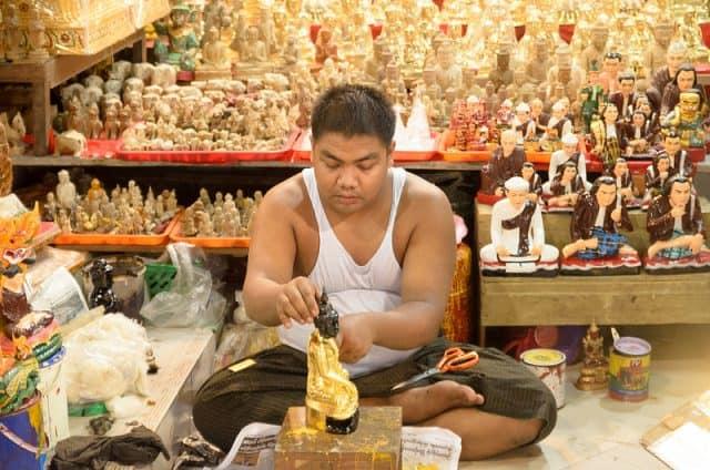 Tượng Phật là món quà khi du lịch Myanmar nên mua (Ảnh ST)