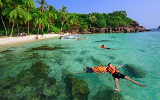 tắm biển tại Rạch Vẹm