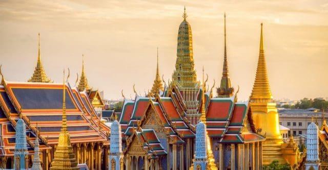 Nhiều tòa tháp lớn trong chùa (Ảnh ST)