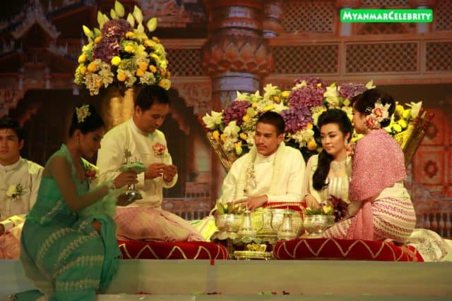 Trang phục truyền thống giản dị của người Myanmar (Ảnh ST)