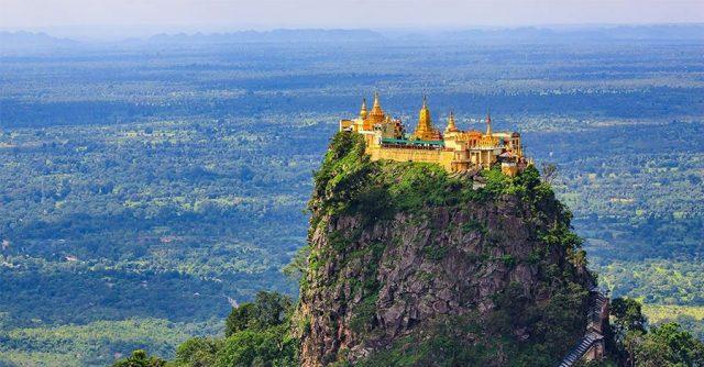 Công trình kiến trúc tuyệt đỉnh của tu viện Taung Kalat trên đỉnh núi Popa (Ảnh ST)