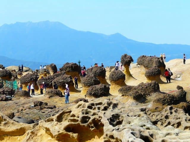 Công viên địa chất Yeliu (Ảnh ST)