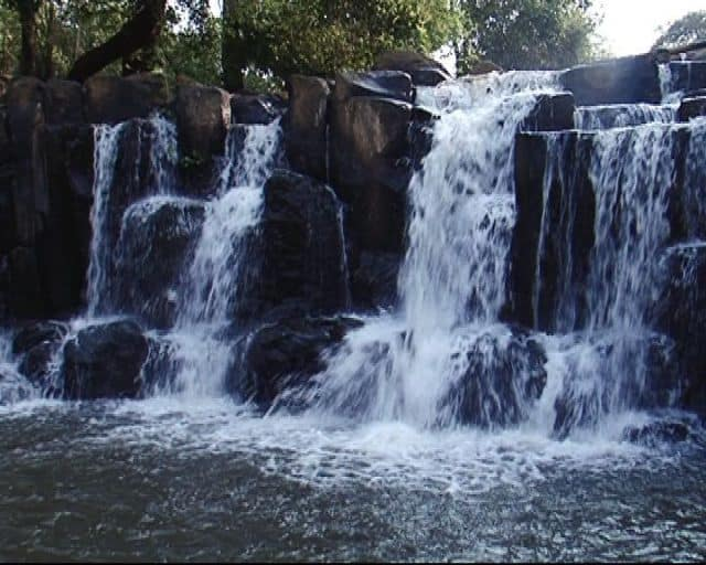 Standing Waterfall is a scenic spot of Binh Phuoc