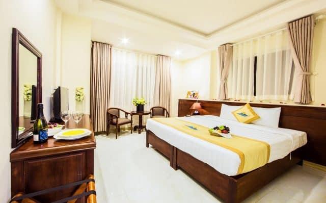 Phòng ngủ được thiết kế đơn giản mà sang trọng(Ảnh ST)
