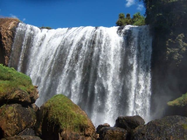 Picture of Elephant Waterfall in Binh Phuoc province is an attractive tourist destination