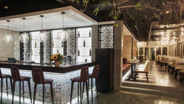 Quầy bar của resort (Ảnh ST)