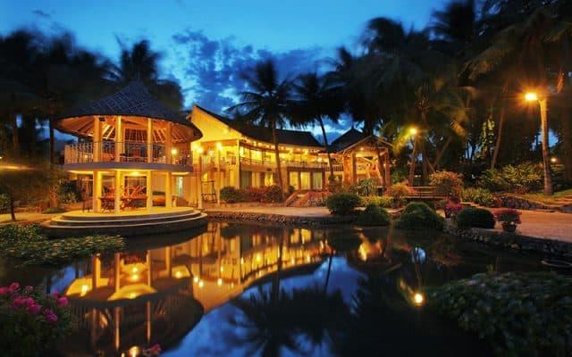 Khung cảnh bao trùm một phần của Sài Gòn Mũi Né Resort vào ban đêm (Ảnh ST)